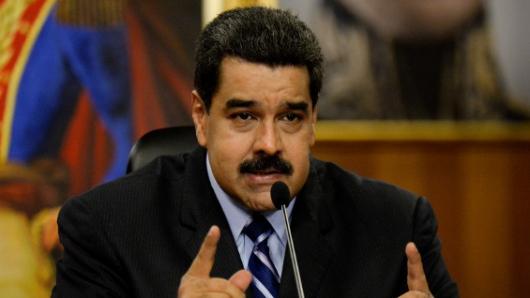 Nicolás Maduro convoca a una