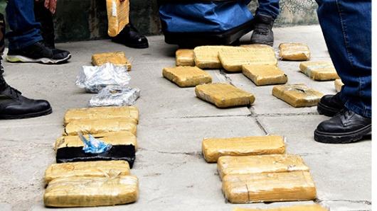 Policía de Perú incauta 600 kilos de marihuana en bus colombiano