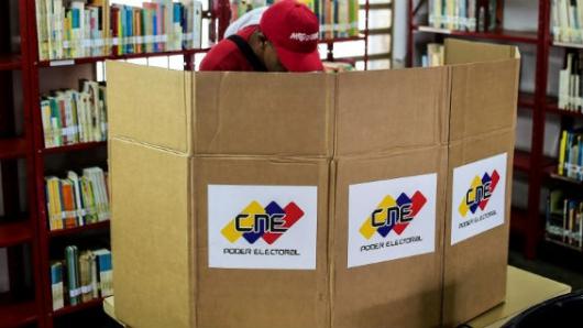 VENEZUELA: Rector Rondón cuestiona proceso electoral para la ANC