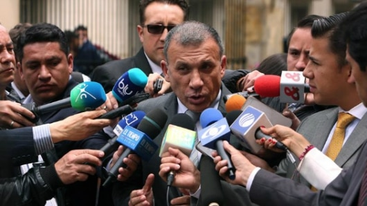 La U sepulta candidatura presidencial de Roy para salvar el partido