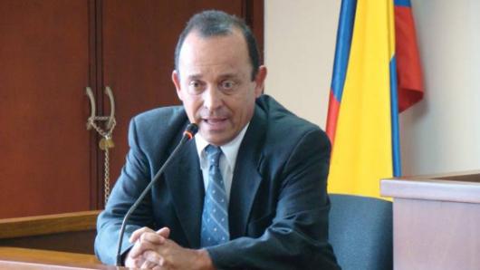 Llaman a juicio a Santiago Uribe por nexos con paramilitares
