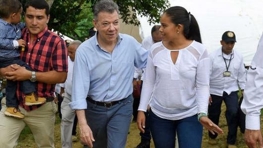 Santos entregó 100 hectáreas de tierras a familias desplazadas en Tolima