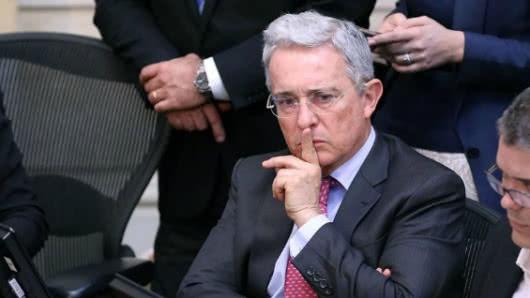 Ordenan investigar a expresidente Uribe por caso de falsos testigos