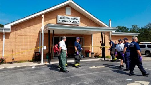 Al menos ocho personas heridas en tiroteo en iglesia en Tennessee