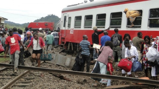 Descarrilamiento de tren en Camerún deja al menos 53 muertos