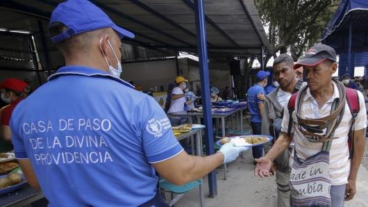 Gobierno (interino) de Juan Guaidó - Página 4 Venezolanos_ayudas_humanitarias