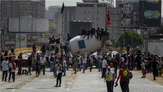Oposición venezolana continúa sus protestas contra Nicolás Maduro