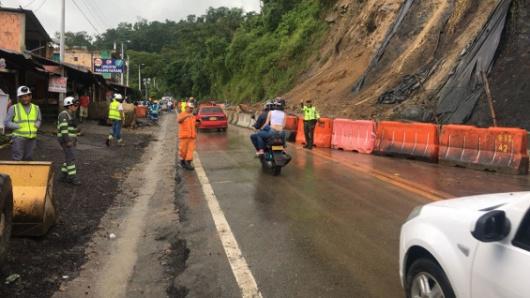 La Mesa: Derrumbes mantienen totalmente cerrada la vía Bogotá