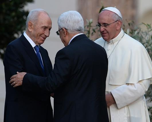 Un encuentro sin precedentes con los presidentes palestino e israelí en El Vaticano