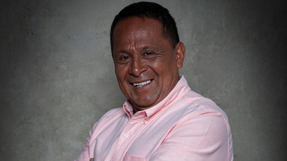 Lucho Díaz fue concejal de Bogotá y ahora se dedica a las ventas ambulantes.