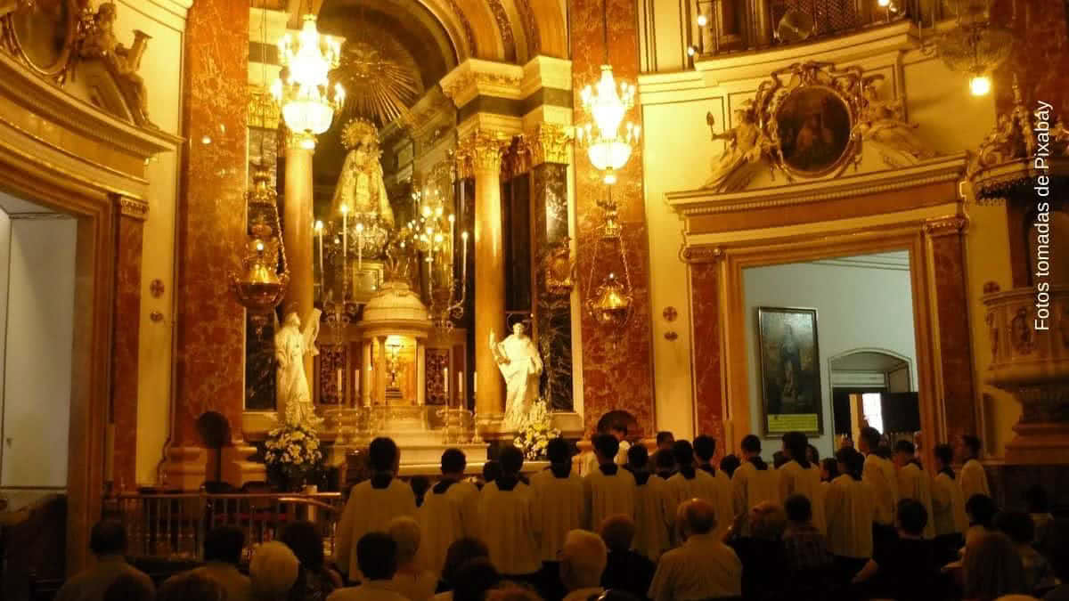 misa domingo 18 de abril