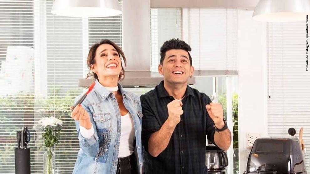 Chichila Navia y Santiago Alarcón en la cocina.