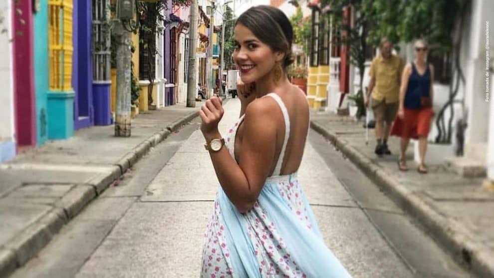 Abuelita de Laura de Leon envia besos a fans de la actriz