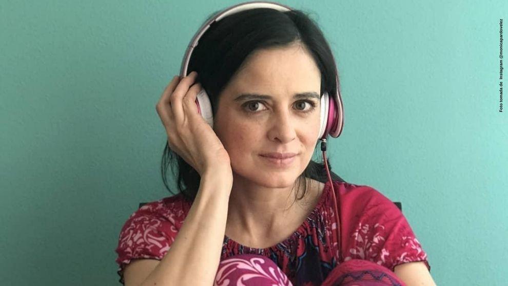 Monica Pardo mostro una foto como toda una rockera