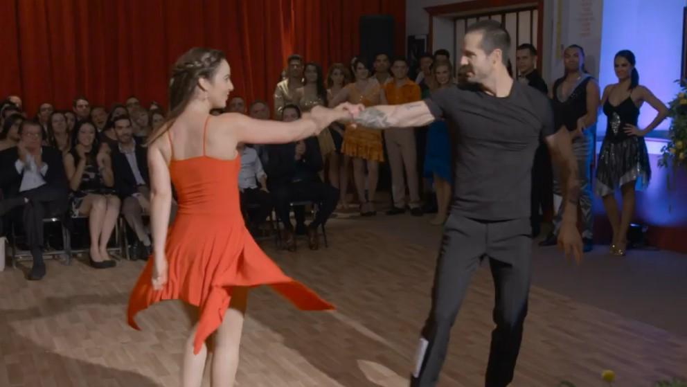 Ringo   Capítulo 41   Ringo y Julia participan en un concurso de baile