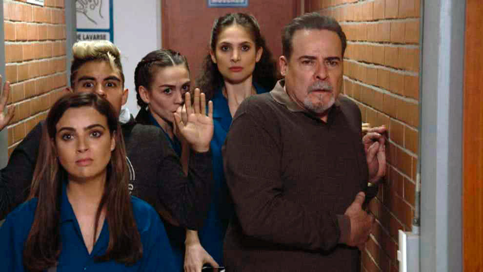 Ringo | Capítulo 19 | Julia y sus amigos son detenidos por la Policía
