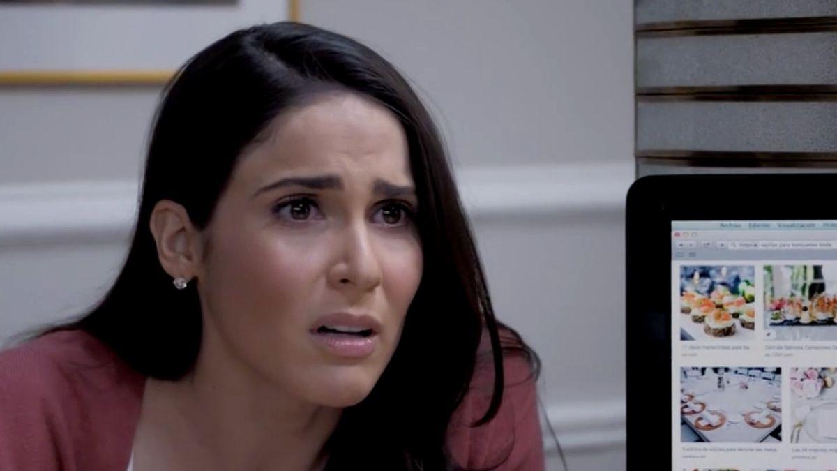 Elena se entera de la relación que tiene Ernesto e Irene