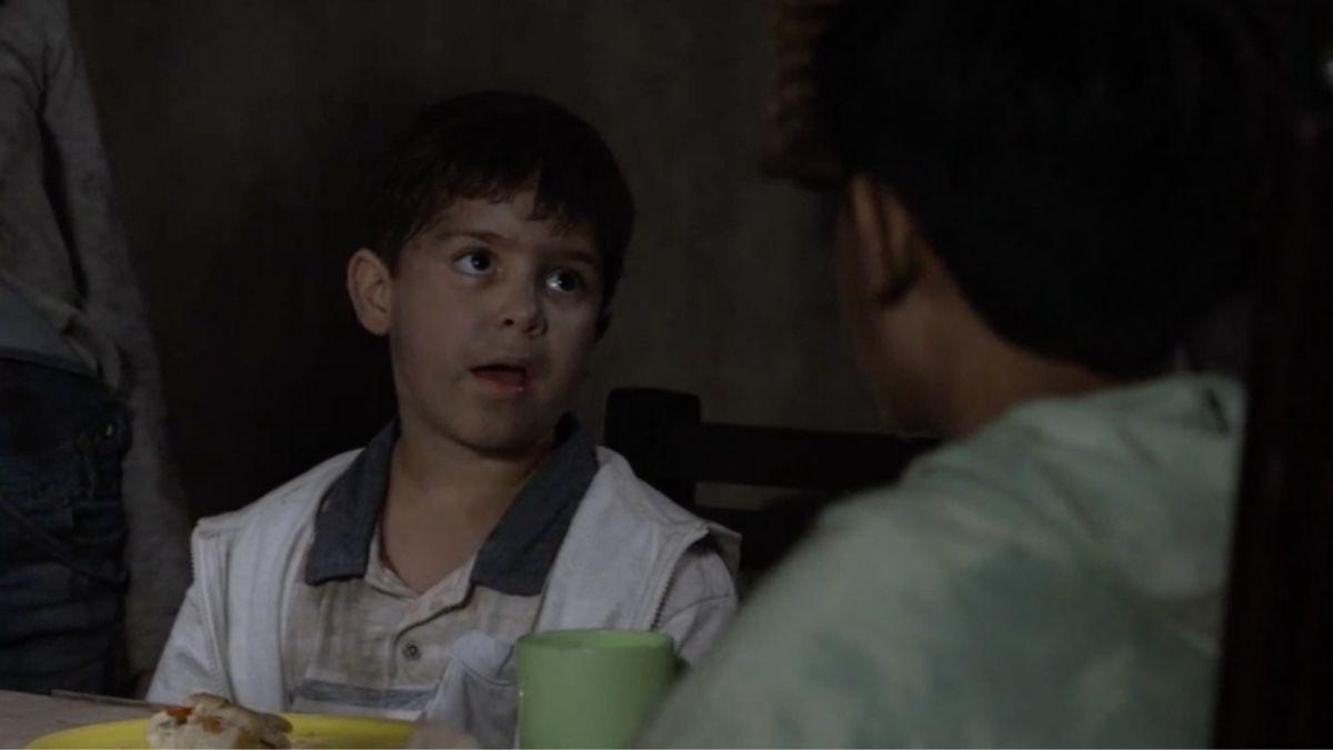 Nico se escapa de las manos de Ernesto