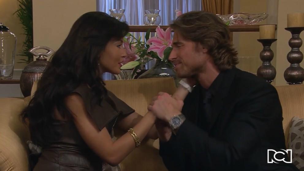 Arturo le propone matrimonio a Teresa