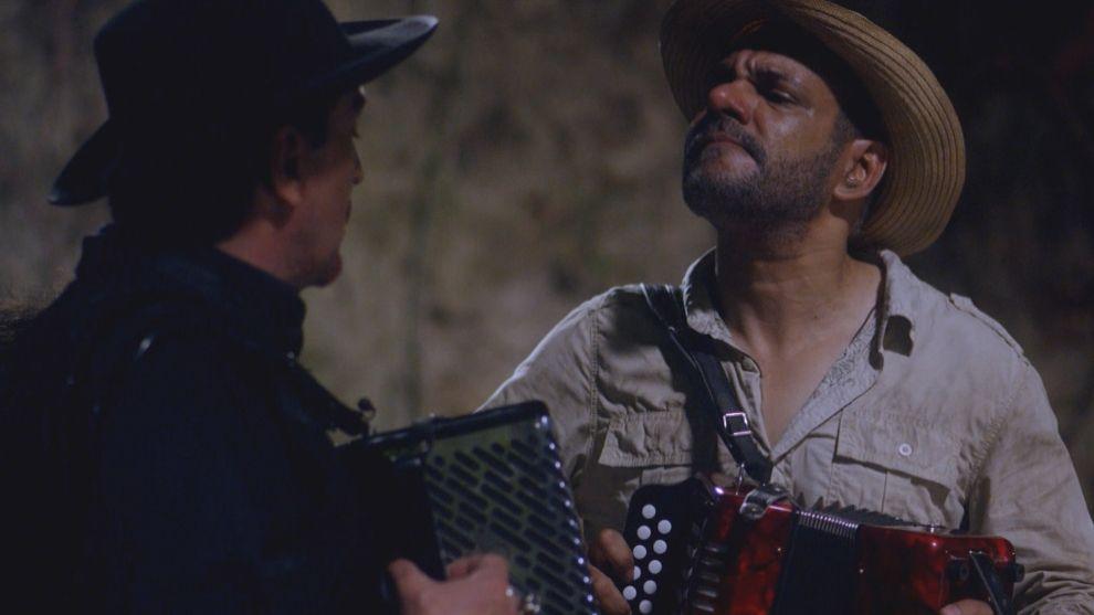 El diablo y Francisco en duelo de acordeoneros