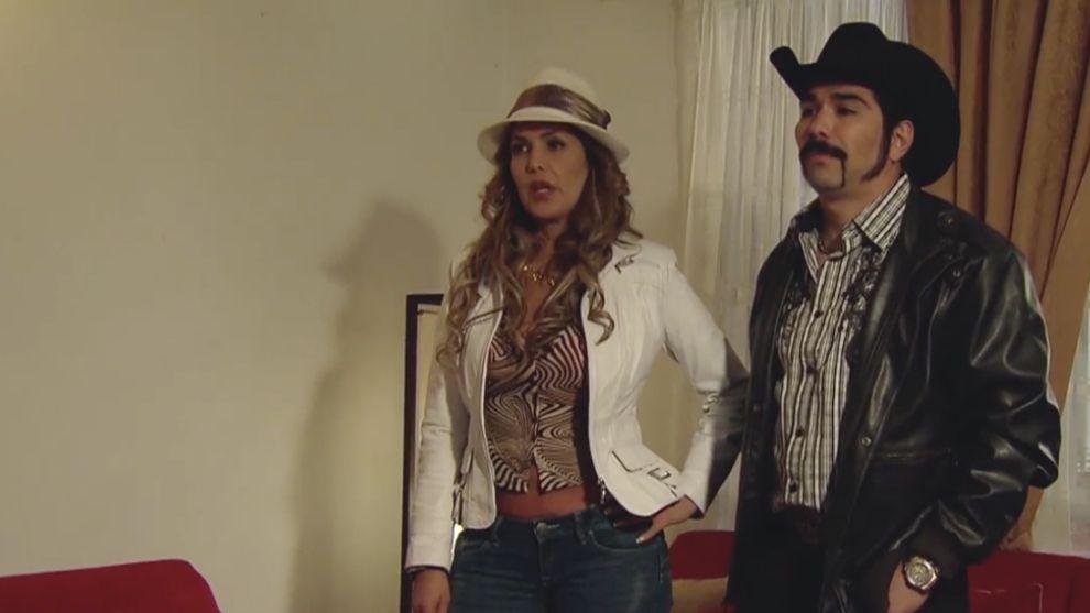 Reyna contrata a Nikita para que acabe con la vida de Milú