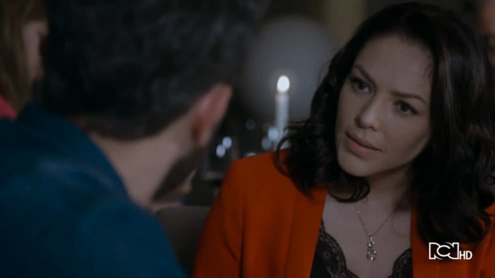 Alina se reune con Santiago