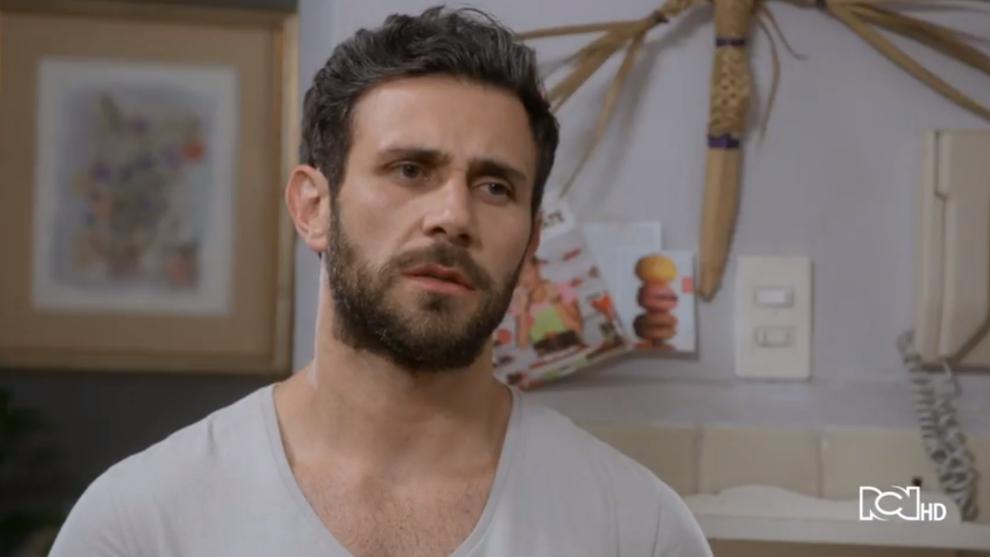 Santiago descubre el paradero de Carolina
