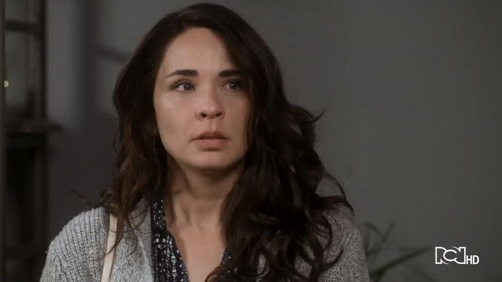 Capítulo 25 de febrero –  Carolina decide separarse de Santiago | Caer en Tentación