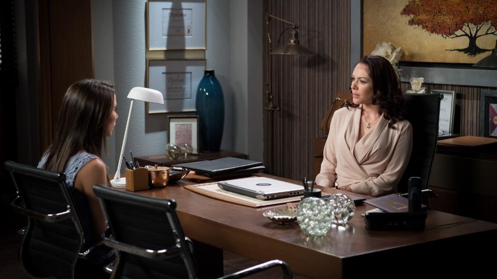 Erika de la Rosa interpreta a Alina del Villar en 'Caer en tentación'