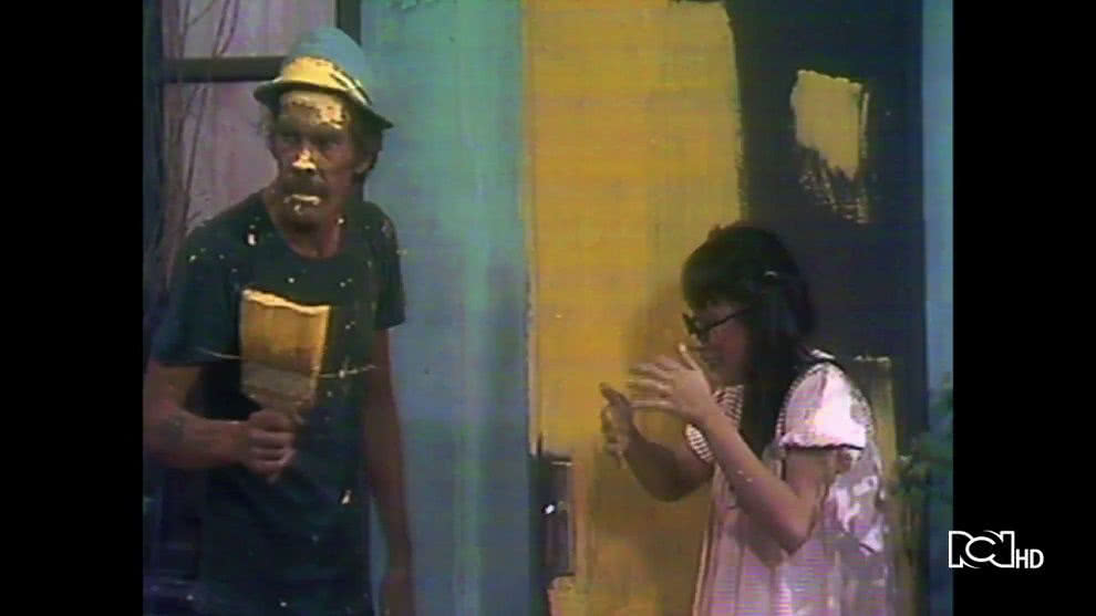 Don Ramón pinta su puerta