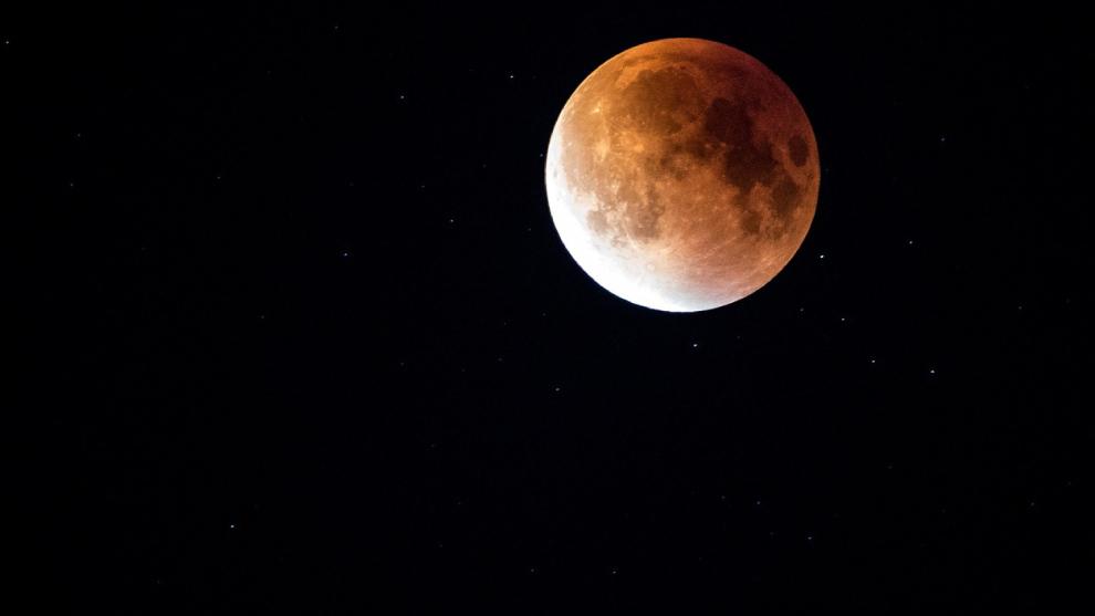 Bogotá celebra la conquista del espacio con un eclipse artificial
