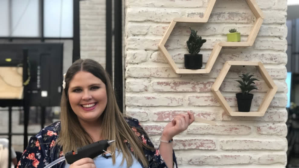La Tienda de Macla: aprende a realizar una repisa con palos de paleta