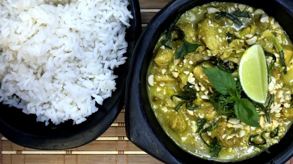 cazuela de pollo al curry con leche de coco