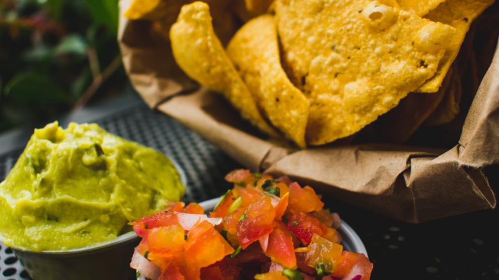 Receta: nachos con salsa picante