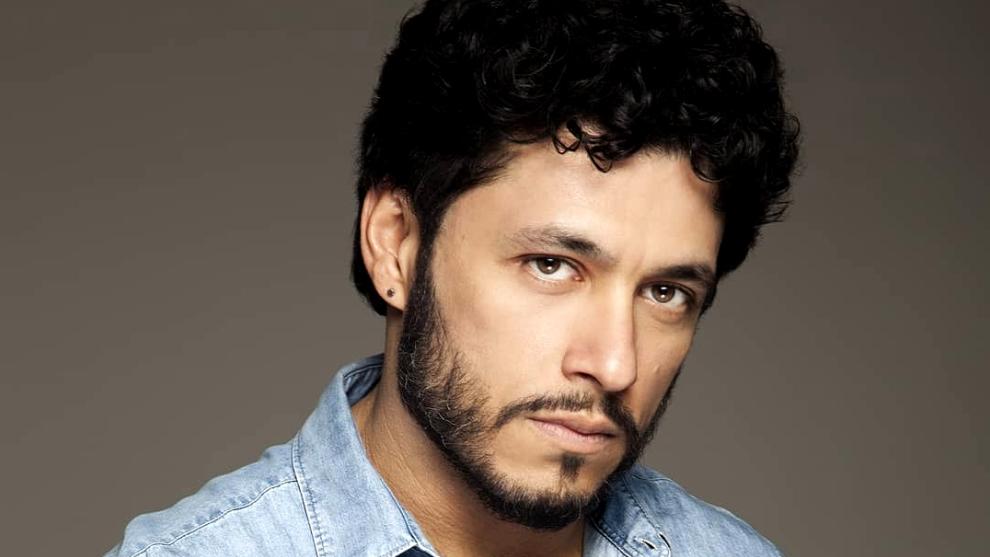 Cinco cosas que quizá no sabías del actor Santiago Alarcón