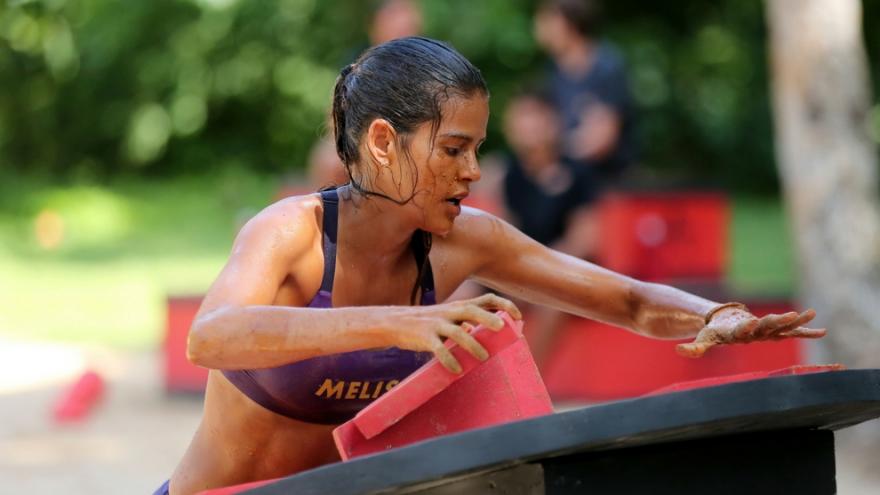 Una atleta deja la competencia