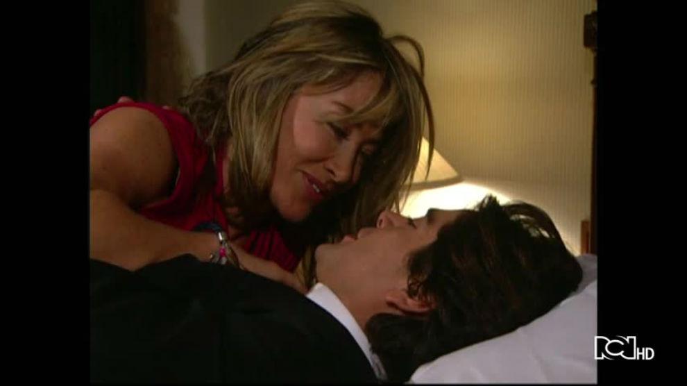 Hasta que la plata nos separe | Capítulo 86 | Rafael y Alejandra confirman su amor