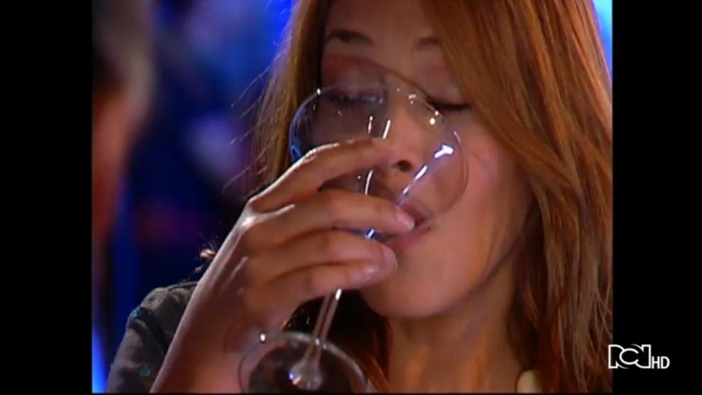 Alejandra le confiesa todo a Susana
