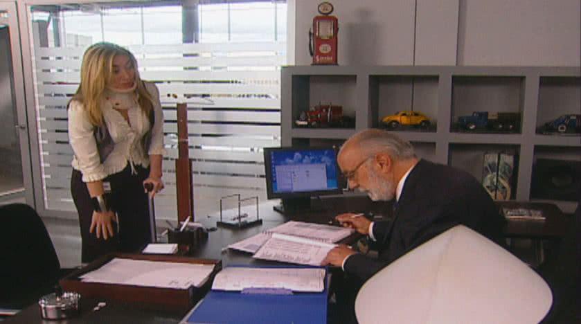 Alejandra le da empleo a Rafae