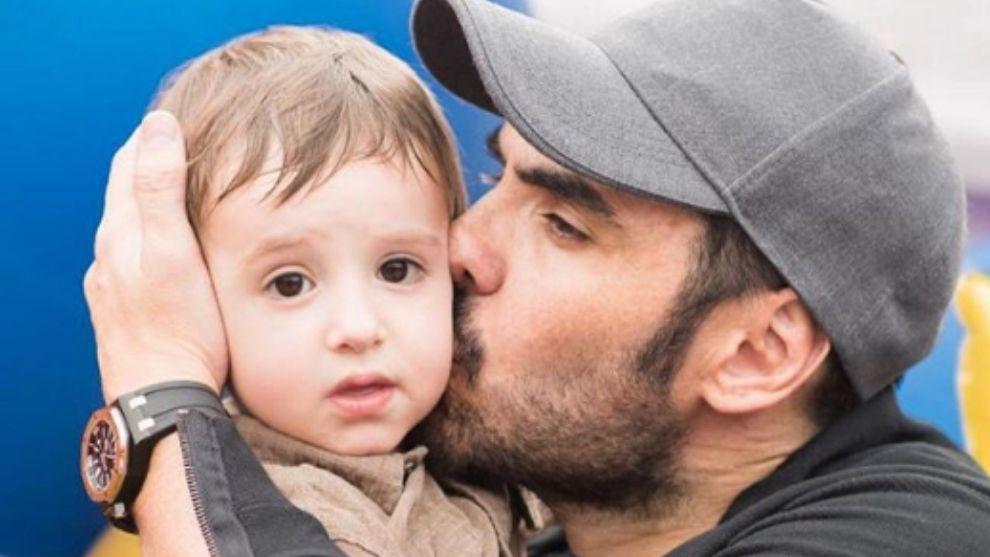 Lincoln Palomeque foto junto a su hijo