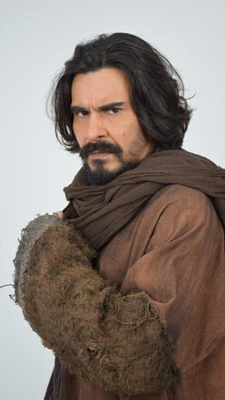 Andre Goncalves como Barrabás de adulto