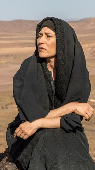 Beth Goulart como Mirian de adulta