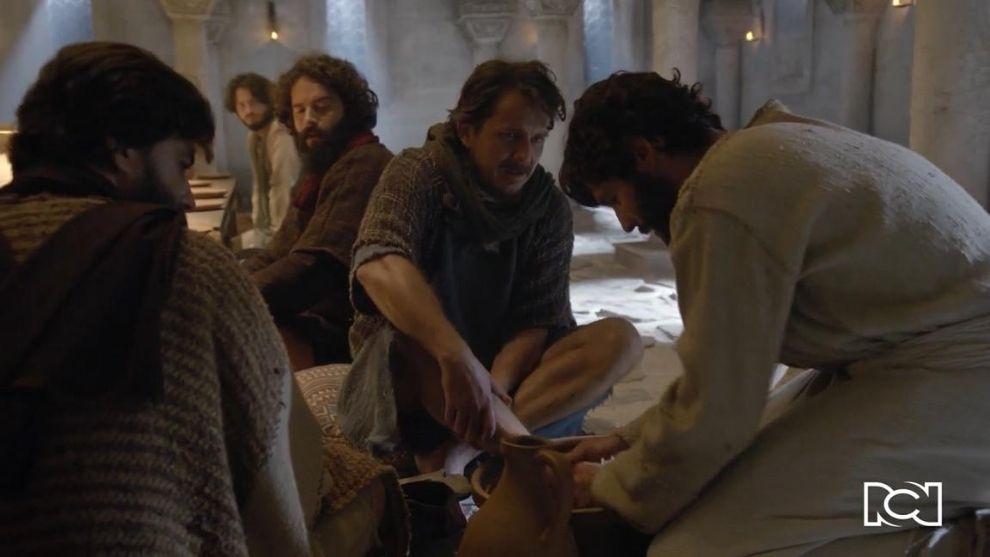 Jesús | Capítulo 81 | El maestro lava los pies de sus discípulos