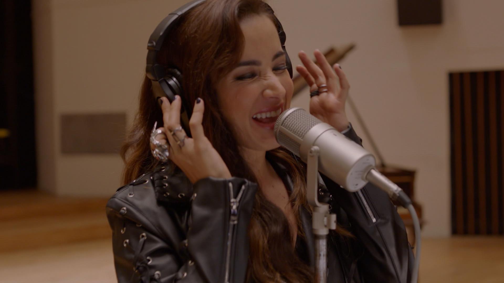 La Guzmán | Capítulo 40 | Alejandra cierra el ciclo con Santiago para dedicarse a la música