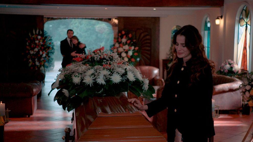 julia-funeral-de-su-papa