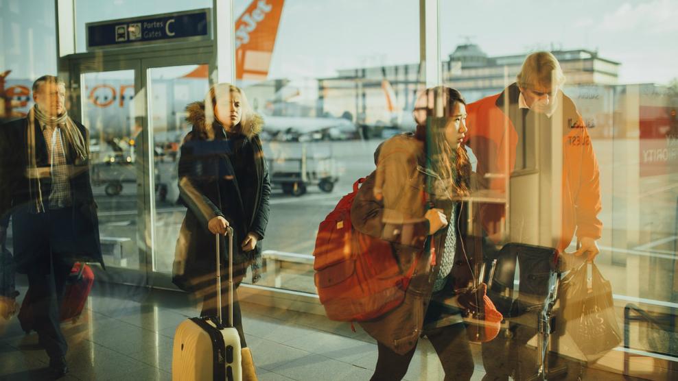 ¿Qué deberíamos llevar en nuestro equipaje de mano a la hora de viajar?