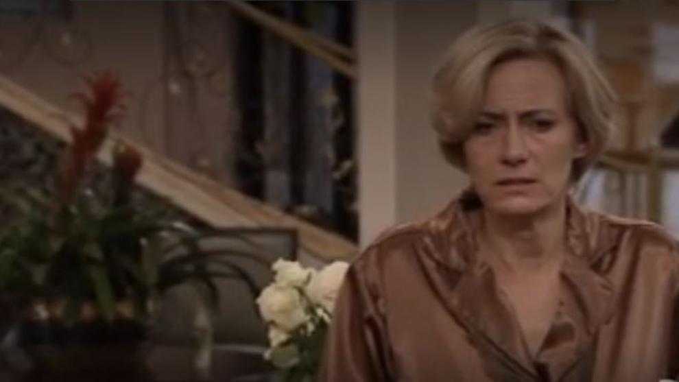 Capítulo 26 de noviembre – Los celos de Alba se salen de control   ¿Quién mató a Patricia Soler?