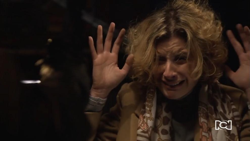 Silvia recibe una herida de bala