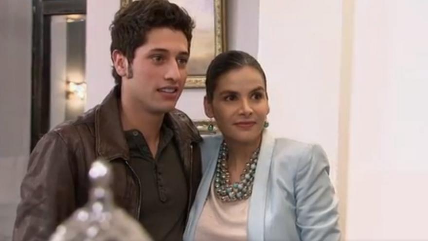 Camilo vuelve a su casa, dispuesto a recuperar su vida junto a Vivían