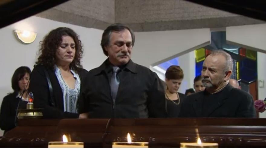 El Pulpo en el velorio de su hijo Carlos